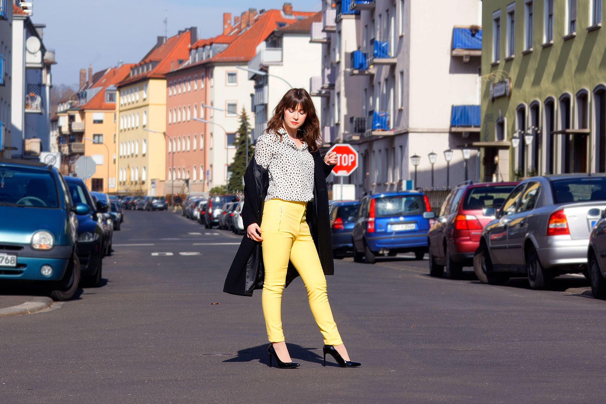 Trendfarbe Gelb-frühlingshafter Office Look