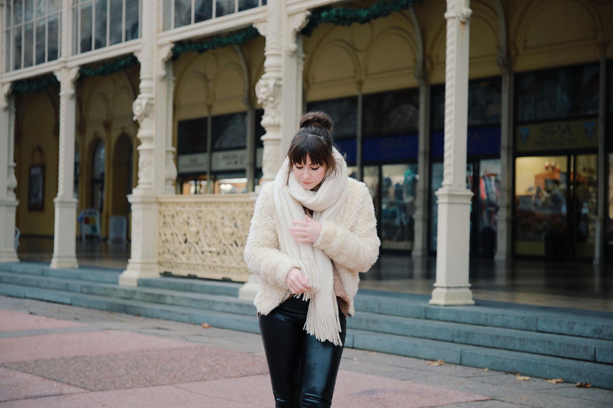 Herbst-Look-mit-Faux-Fur-Jacke| Fashion Blog Deutschland