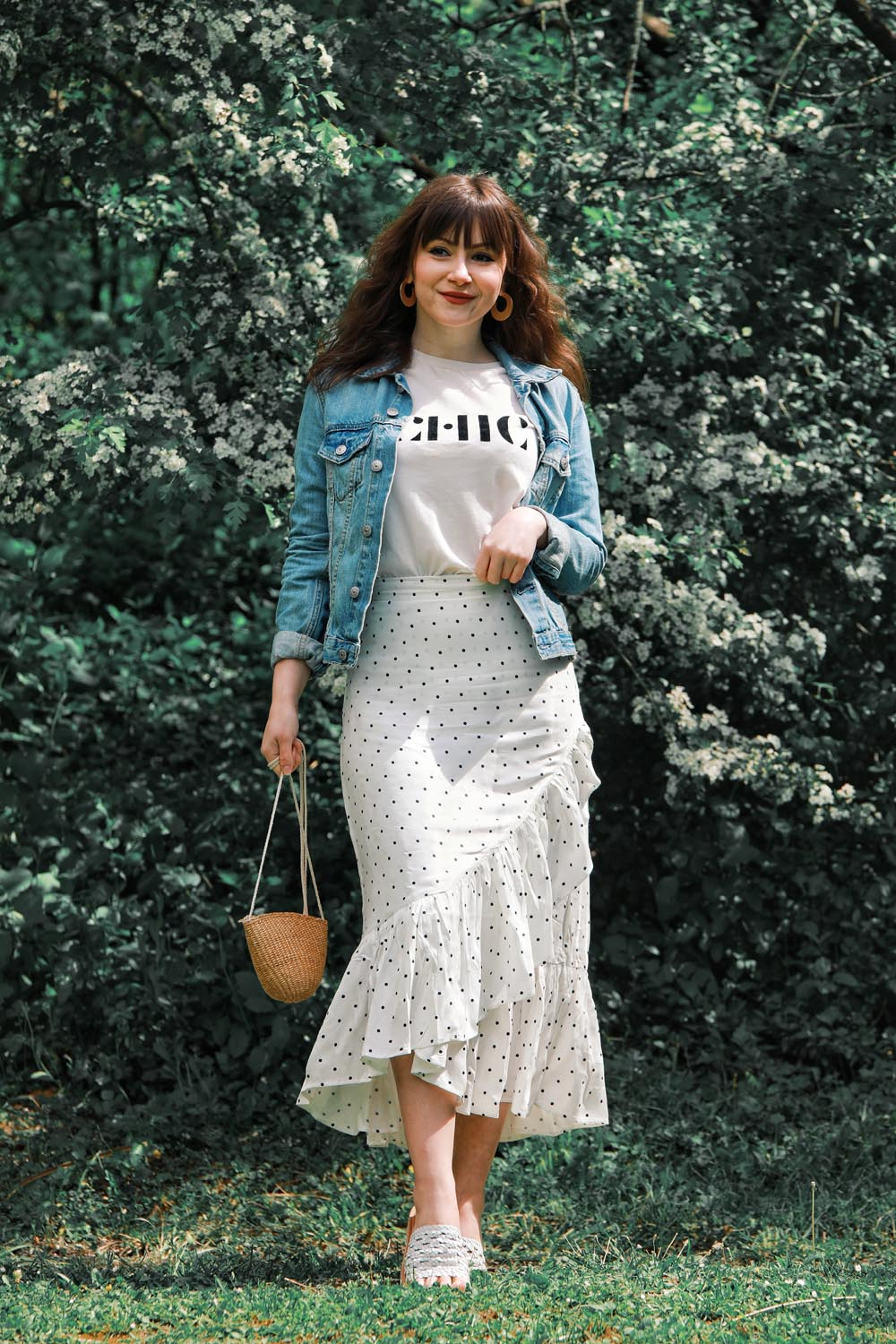 Outfit-Inspiration-Polkadots-Volantrock-Modeblog-Deutschland-Style-by-An